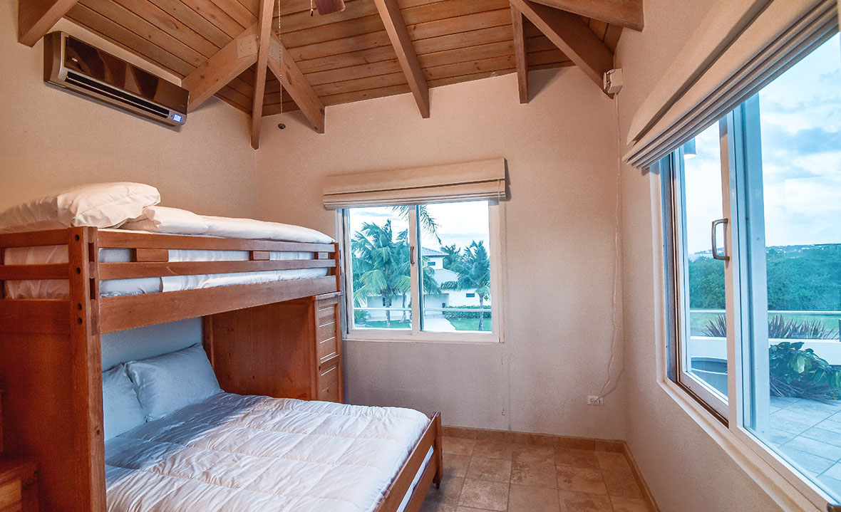 a description of our rooms Description our deluxe rooms are 14 m² and have a 15 m double bed they feature large picture windows for a unique feeling of wellness pillow and bedding menu.